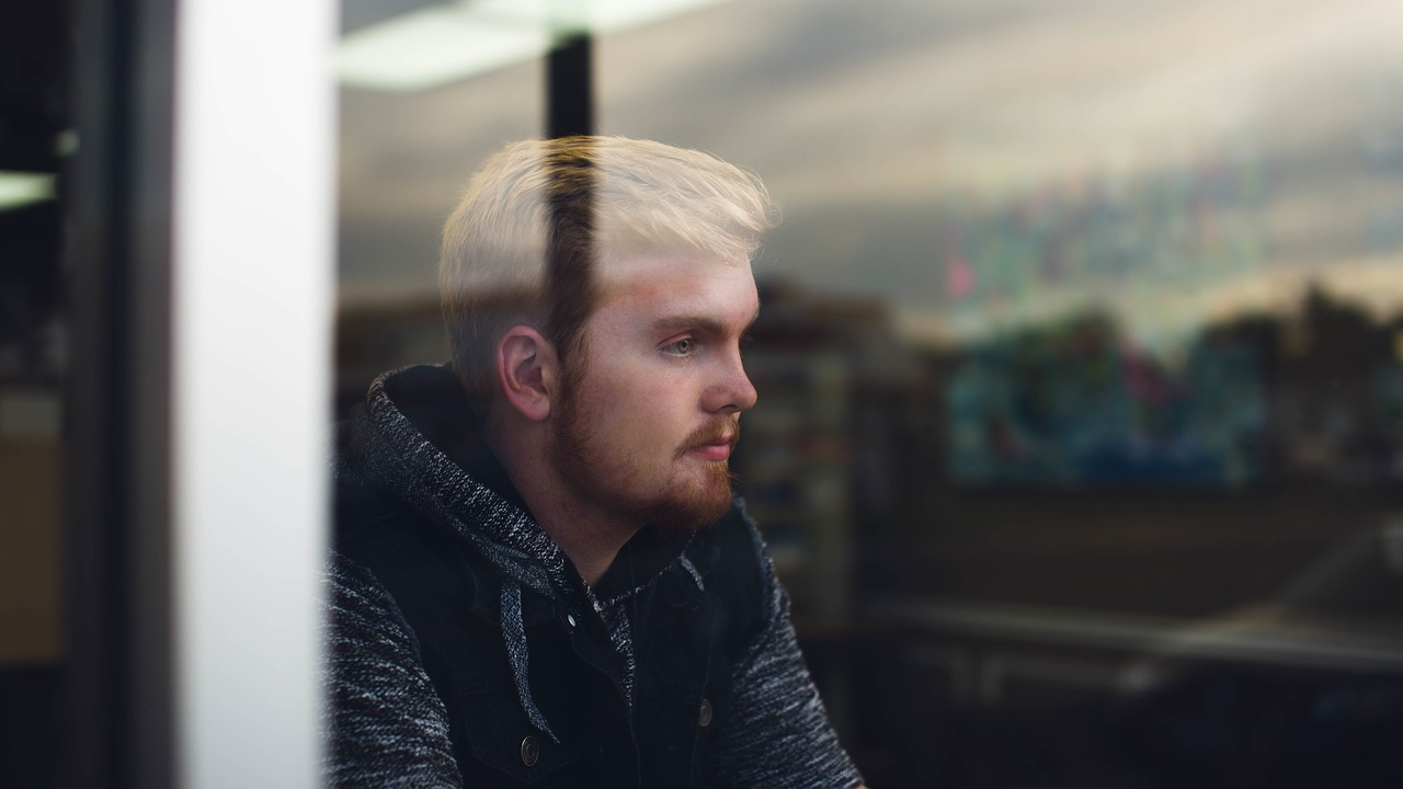 How cognitive behavioral therapy (CBT) treats depression