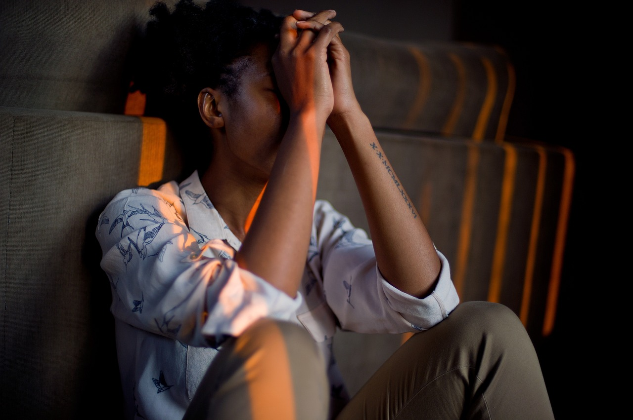 Symptoms of struggling with PTSD
